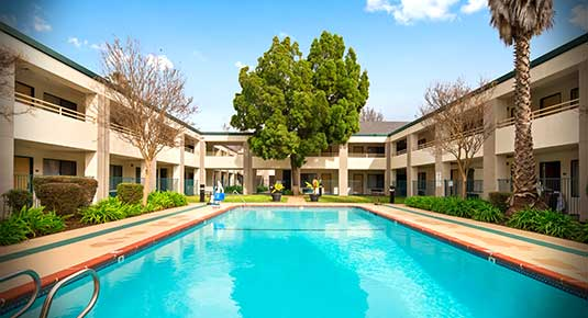Outdoor Pool - Welcome to Concord CA hotel