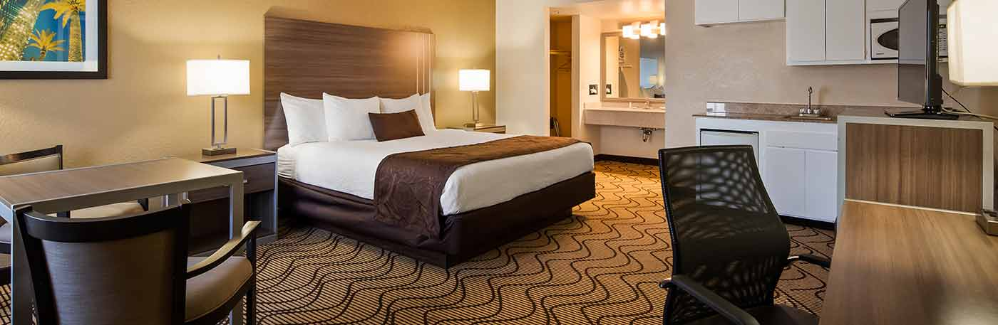 spacious bedroom - Martinez CA hotel